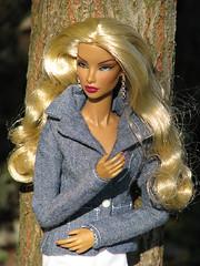 Patricia on the walk (nauriel :-)) Tags: fashion toys natalia elusive creature fatale royalty integrity