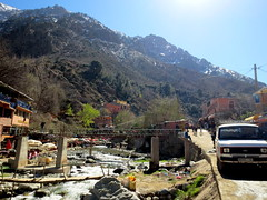 dans le Haut Atlas (simon-r-) Tags: travel mountains colour photography high village morocco berber maroc atlas maghreb marokko berbers berbre 2016 settifatma berbres  hautatlas  hoheratlas   stifadma