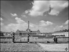 Paris snapshot Segway tour - Ecole militaire (nobru2607) Tags: paris monochrome 28mm streetphotography snap nb monochrom sreet ricoh bwphotography grd3 grdiii