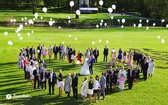 swietliste-fotografujemy-emocje-fotografia-slubna-wesele-torun-puszczanie-balonow-palac-romantyczny-turzno