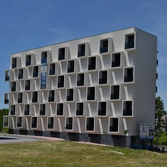 T2T3T4 (TheManWhoPlantedTrees) Tags: windows building arquitetura architecture chess braga janelas arquitecturaportuguesa nikond3100 tmwpt