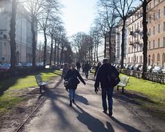 Karlavgen (gerikson) Tags: sunlight pedestrians avenue karlavgen cv40 cosinavoigtlnderultron40mmf2