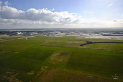 Landing into CDG (A. Wee) Tags: paris france airport charlesdegaulle cdg