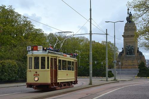 27.04.2016 (XVII); Koningsdag trammen in 070