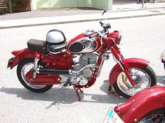 PUCH 250 SGSS (John Steam) Tags: salzburg vintage austria meeting motorbike motorcycle oldtimer puch motorrad 2014 hallein gasthof oldtimertreffen zweitakt kirchenwirt puchtreffen doppelkolben 250sgss