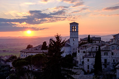 Assisi sunset (ilsanto86) Tags: sunset fujifilm borgo assisi xt1 xf1855