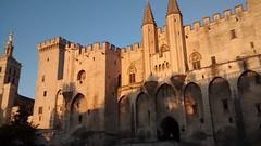 Avignon, lumire du soir sur le palais des Papes (Danaea) Tags: soir avignon lumires papes