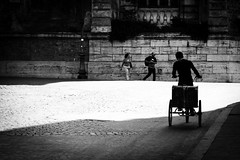 . ([ chang ]) Tags: street light shadow people blackandwhite bw white black rome roma byn blanco bicycle silhouette contraluz person persona shot gente negro ombra sombra bn ombre persone shade bibi bianco nero luce controluce bicicletta streetshot wwwriccardoromanocom