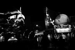 autre monde (glookoom) Tags: blackandwhite bw france noir noiretblanc lumière disney contraste blanc