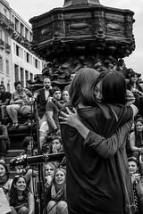 Anteros free hugs (Erodotos KKRS) Tags: london women hugs picadillycircus