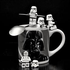 Un caf ?! (lmaphotographie69) Tags: lego cofee starswars darkvador stormtropper