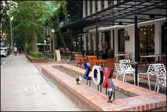 160109 Limapulo 34 (Haris Abdul Rahman) Tags: leica restaurant cafe malaysia kualalumpur leicamp heritagerow peranakanfood summiluxm35 wilayahpersekutuankualalumpur jalandoraisamy harisabdulrahman harisrahmancom typ240 limapulo fotobyhariscom