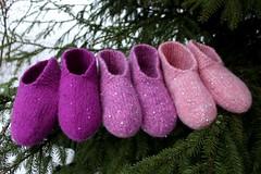 2016.02.10. blingtossut x3 2203m (villanne123) Tags: felted knitting slippers 2016 finnwool huovutettu neulottu tossut hahtuva pirtinkehraamo hahtuvatossut villanne
