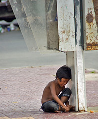 Cambodian boy (Jom Manilat) Tags: boy cambodia alone crying cry phnom penh heartbreaking