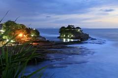 Tanah Lot Temple Bali Indonesia (meneer_nl) Tags: longexposure bali seascape indonesia landscape bluehour tanahlot