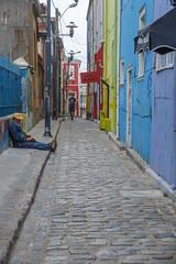 Cerro Alegre, Valparaso, Chile (silkylemur) Tags: chile street southamerica canon lens valparaiso zoom streetphotography fullframe valparaso canoneos ef canoneflens cerroalegre canonlens canonef2880mmf3556ii regindevalparaso  efmount canonef2880mm basiclens strasenfotografie canoneos6d