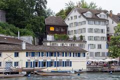 Zurich (Alvaro Lovazzano) Tags: suiza zurich canon t3i europa viaje europe switzerland ro river fiumme travel viaggio zurigo vovk bote boat antiquitten capital agua water acqua edificios ventanas vock