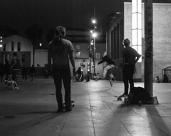 Flip (Alonso.N) Tags: barcelona kids night play shot games skaters skate macba