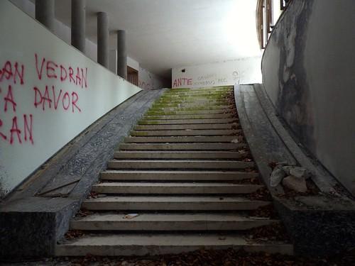 L'escalier, situé à l'entrée de la villa