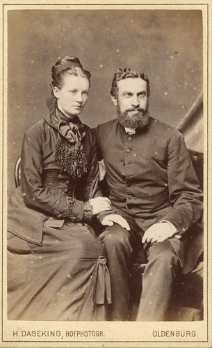CDV Portrait of a young couple - Germany - c.1880