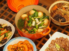 2016  (ChihPing) Tags: life home reunion night dinner taiwan olympus taipei supper f18     45mm lunarnewyear omd    2016    newyearsevedinner em5  familyreuniondinner lc
