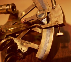 Sextant (Carlos Lubina) Tags: instrument brass measure rule sextant macromondays