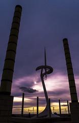D3124-Torres de Montjuic (Eduardo Arias Rbanos) Tags: barcelona sky cloud tower architecture atardecer lumix arquitectura torre dusk panasonic cielo calatrava g6 nube crepsculo eduardoarias eduardoariasrbanos