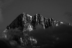 Eperon Sublime (Frdric Fossard) Tags: montagne alpes lumire altitude ombre contraste nuage paysage chamonix rocher alpinisme clart hautesavoie crtes paroi grandesjorasses luminosit massifdumontblanc facenord artes peronwalker