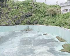 abandoned hotel (Egg Cheung) Tags: tree abandoned 120 film pool grass japan swimming hotel decay empty dry medium ladder 6x7 urbex hachijojima haikyo fujicolorpro400h fujifilmgf670professional wwwfacebookcomurbanfragment