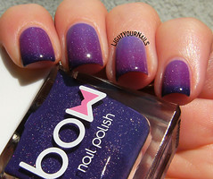Bow Winds of Change (Simona - www.lightyournails.com) Tags: purple nagellack nails manicure nailpolish thermal holographic vernis esmalte unghie smalto naillacquer nailswatch bowpolish
