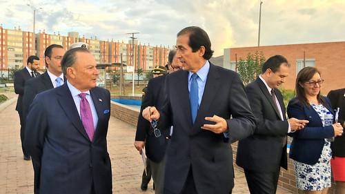 Delegación dominicana visita proyectos de viviendas en Colombia