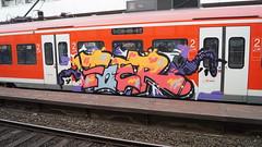Graffiti (Honig&Teer) Tags: streetart station sport train steel eisenbahn zug hannover db urbanart vehicle deutschebahn sbahn hbf treno aerosolart spraycanart traingraffiti trainart nahverkehr dbregio honigteer eisenbahngraffiti