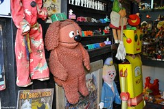 Rowlf (Studio 9265) Tags: old city usa dog art apple animal museum america train vintage garden toy photography robot stuffed artwork model nikon kentucky ky united muppets dirty collection valley states hillbilly rowlf calvert obsolete offbeat 2016 unconventional d5000