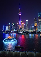 Shanghai - Pearl Tower & Tour Boat (cnmark) Tags: china light tower skyline architecture night river noche shanghai bright nacht scenic noite colored pearl tall   orient pudong coloured  nuit  notte nachtaufnahme tallest huangpu lujiazui  pearloftheorient   jiahuancheng allrightsreserved shanghaimodernarchitecturaldesigncoltd