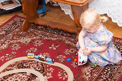 Zabawa nowymi zabawkami (Kaminscy) Tags: birthday girl fun toy room poland warszawa tory zabawa pl urodziny ambulans ciuchcia mazowieckie zabawka 2urodziny pokoj