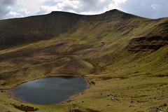 Llyn Cwm Llwch (JDWCurtis) Tags: mountain lake mountains nationalpark breconbeacons brecon penyfan glaciallake corndu breconbeaconsnationalpark geologicalsite llyncwmllwch bbcwalesnature