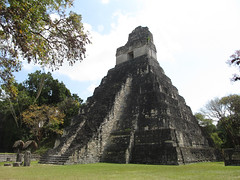 "Tikal: le Temple 1 ou le Temple du Grand Jaguar <a style=""margin-left:10px; font-size:0.8em;"" href=""http://www.flickr.com/photos/127723101@N04/26237527735/"" target=""_blank"">@flickr</a>"