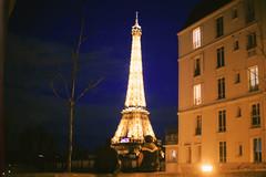 Paris (Mava Lecoq) Tags: friends sky paris canon photography 50mm photographie 14 ciel 6d lecoq lcq mava