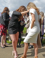 Woops ! (ian con) Tags: girls legs candid blondes brunettes