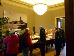 Boulangerie Paul Gare Luxembourg (Jrg Paul Kaspari) Tags: station paul cafe gare railway bahnhof luxembourg luxemburg ville boulangerie wartepavillion