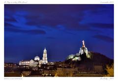 Le Puy [Haute-Loire] (BerColly) Tags: light france monument night google flickr lumire nuit lepuyenvelay magichour auvergne cathedrale hauteloire heurebleue bercolly