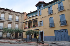 Dans la rue, Cret, Vallespir, Roussillon, Pyrnes Orientales, Languedoc, France. (byb64) Tags: house france town casa frankreich europa europe village eu haus ciudad 66 stadt maison francia roussillon ville citta ue languedocroussillon pyrnesorientales rossell cret vallespir roselln rossiglione linguadocarossiglione languedocroselln pireneiorientali pirineosorientales llenguadocrossell pirineusorientals pirenusorientals