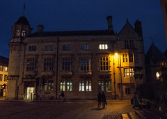 Oxford at night (Iustin Ouatu) Tags: street old uk red england architecture night high lowlight nikon university streetphotography historic explore oxford nikkor excursion discover d3200 architecturephotography vsco streetraw outstandingromanianphotographers vscocam jawdroppingshots nikontop