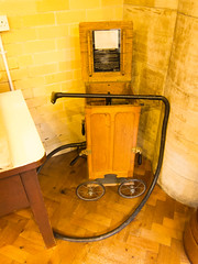 Antique Daisy vacuum cleaner (quinet) Tags: uk england castle antique schloss bamburgh chteau vacuumcleaner antik grossbritannien staubsauger aspirateur grandebretagne