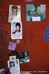 bowie memorial site / brixton / london 2-2016 -p4d- 383 (photos4dreams) Tags: city greatbritain vacation england london death site mural tour britain sightseeing stadt gb february tod brixton davidbowie februar remembering gedenken 2016 ziggystardust susannahvvergau photos4dreams photos4dreamz p4d london22016p4d