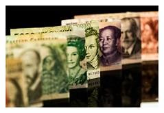 Macro Mondays (objet introuvable) Tags: money billets banques destins personnalités inspiredbyasong macromondays macro bokeh colors