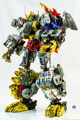 TWD_Dynosor_combined (Weirdwolf1975) Tags: podcast slag transformers roar sludge muddy swoop snarl spear grimlock dinobots combiner toyworld tfylp irondreg grimshell