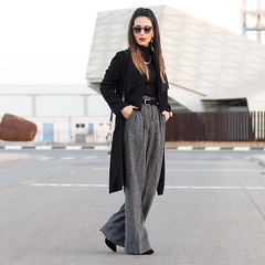 Qu estilosos son estos pantalones anchos, me encanta como quedan y lo cmodos que son I love this outfit wearing a cool pair of trousers, they are stylish and comfortable. All the pics on the blog www.withorwithoutshoes.com #zara#me#girl#ootd#todaysoutfi (WOWS_) Tags: beauty fashion moda belleza streetstyle