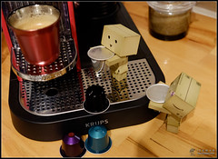 Coffeetime (Only in RAW ) Tags: japan canon toys happy robot amazon fuji box weekend explorer mini days cardboard danny fujifilm 365 danbo amazoncojp 366 toyphotography xe1 revoltech danbee xe2 danboard 366daysproject fujinon1855 minidanbo xserie