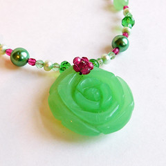 Vintage Faux Carved Jade Rose Pendant Necklace - Green and Pink (karalennox) Tags: pink green glass rose vintage necklace carved jewelry pearl etsy beaded pendant fauxjade culturedpearl